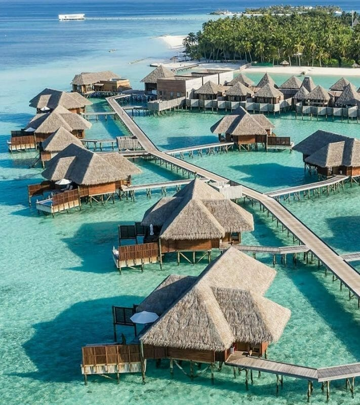 maldives resorts on the water