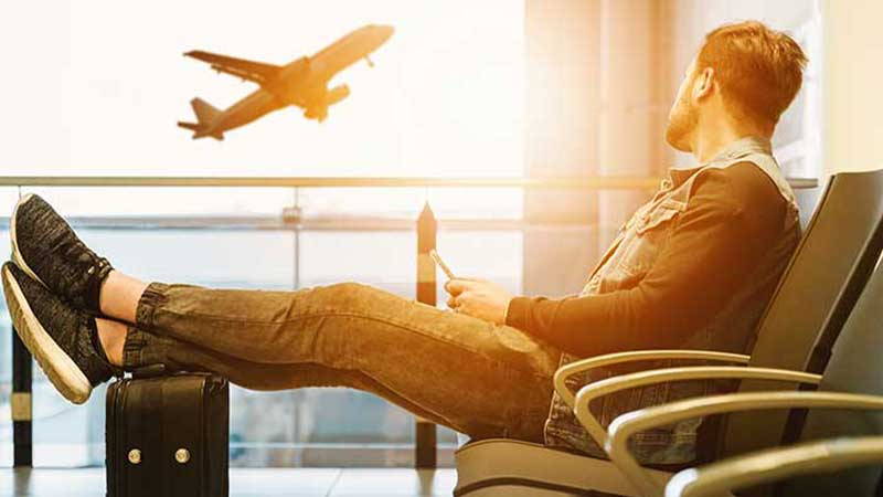 15 Best Travel Gifts for Him (2020 Guide)