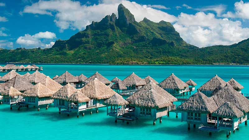 Overwater Bungalows in Hawaii (Do They Exist?)